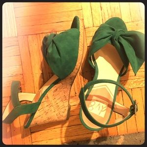 DV8 Dolce Vita Green Wedges, Woman's size 8.5